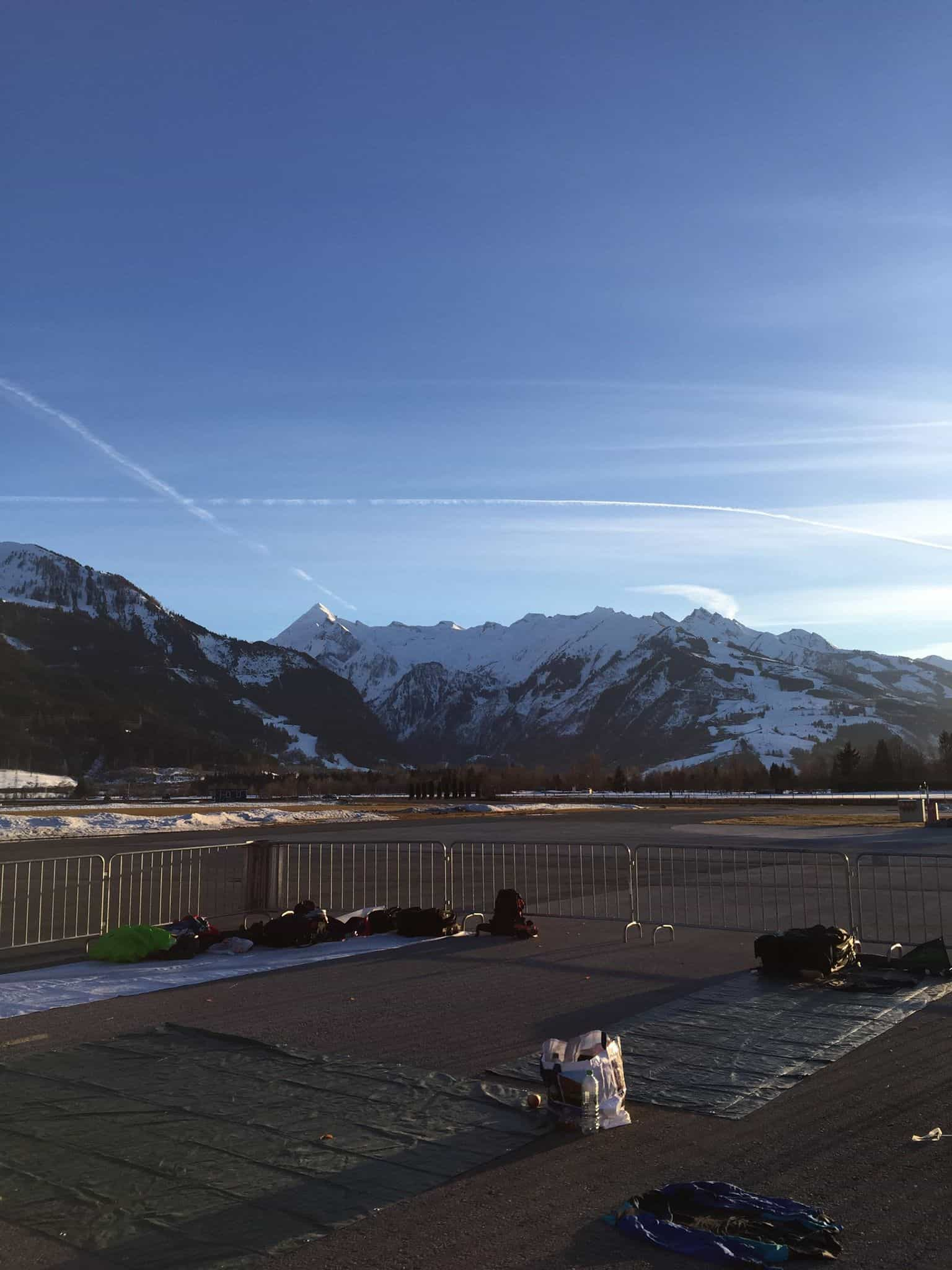 Pack Area Skydiving Zell am See